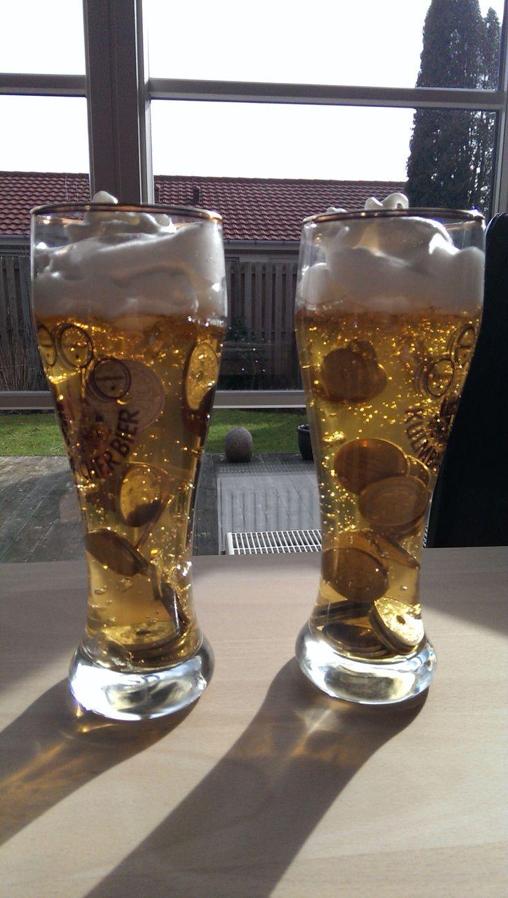 Øl med penge:  Æblejuice, husblas, æggehvide