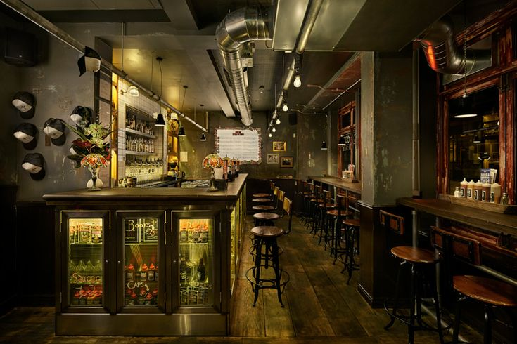 There is a time and a place where classy, elegant decor is suitable. A BBQ restaurant definitiv...