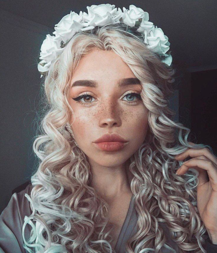 I don't usually add girls with makeup on, but her face is so artistic, I had to pin it. Love her eyes!! Eyes Lips Nails Makeup Skin Care Hair Care Body Care Tools & Accessories Wigs Teeth Care, dress, clothe, women's fashion, outfit inspiration, pretty clothes, shoes, bags and accessories #HairCareArt