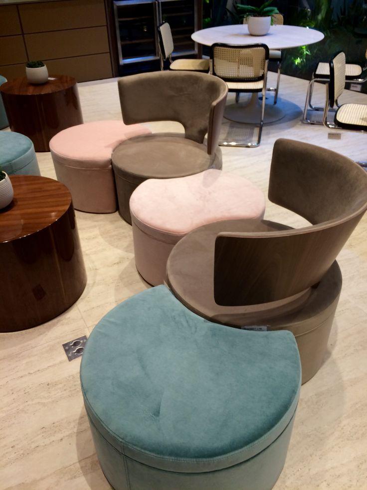Coleção 2017 da Breton - 50 anos. Móveis elegantes e contemporâneos, incluindo puffs, mesas de jantar, mesas de centro, poltronas, cadeiras, entre outros.