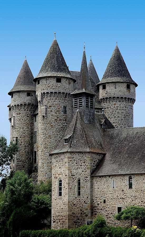 Chateau de Val, Bort-Les-Orgues, Lanobre, Cantal, Auvergne