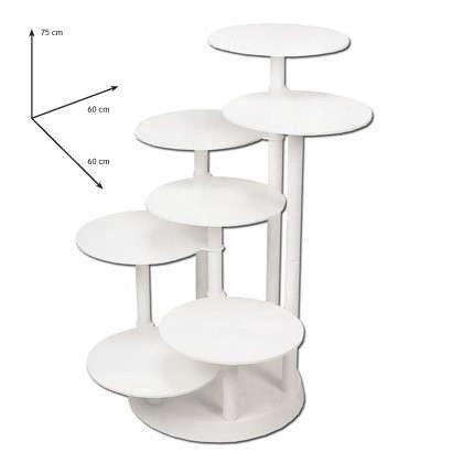 Kageopsats i 7 etager, Luksuriøs hvid kageopsats til 7 kager, højde 75 cm., hver opsats har en diameter på 28 cm. Brug stativet til bryllupskager, dåbskager og meget andet. Ved en højde på kagerne på 7cm er der på disse 7 platforme kage til ca. 150 personer Enkel at samle. Brugt 1 gang.  Ny pris: 1000kr