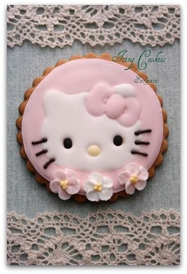 Hello Kitty Cookies - my daughter helping me pin and wants these