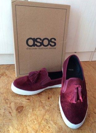 Kaufe meinen Artikel bei #Kleiderkreisel http://www.kleiderkreisel.de/damenschuhe/halbschuhe/158641061-burgunderfarbene-teddy-sneaker-mit-weisser-sohle-asos-39