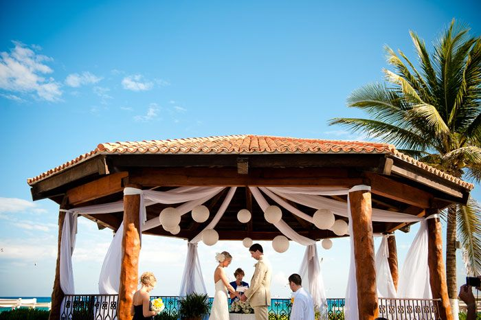 Tips on writing vows and wedding ceremony script