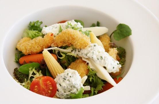 Las más frescas y deliciosas ensaladas gourmet en Restaurant Don Joaquín #salad #VinadelMar #HsmChile #RestaurantdonJoaquin