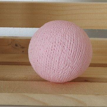 Hempeä vaaleanpunainen valopallo - oisko ihana vaikka lastenhuoneeseen? =)   Osta täältä: http://www.valopallot.fi/category/27/irtopallot
