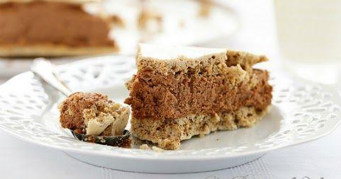 Gâteau meringue mousse chocolat    Il faut bien terminer la semaine avec un dessert gourmand et chocolaté. Un de mes derniers coups de co...