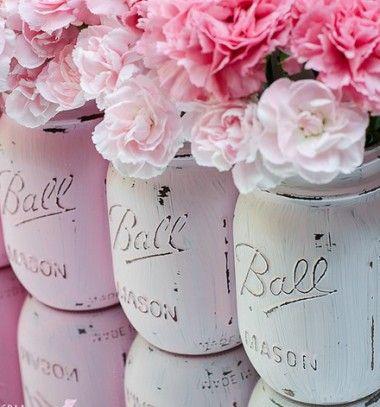 Shabby Chic / vintage  style mason jar vases // Shabby chic / vintage stílusú koptatott vázák befőttes üvegekből // Mindy - craft & DIY tutorial collection