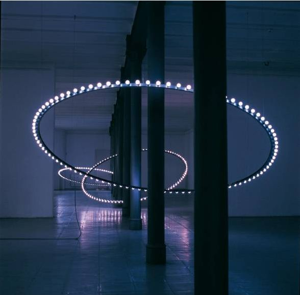Claude Lévêque, Whirlwind, circles of blue lamps with chase effect, blue filters on the openings.1998, installation at the Städtische Galerie, Brême