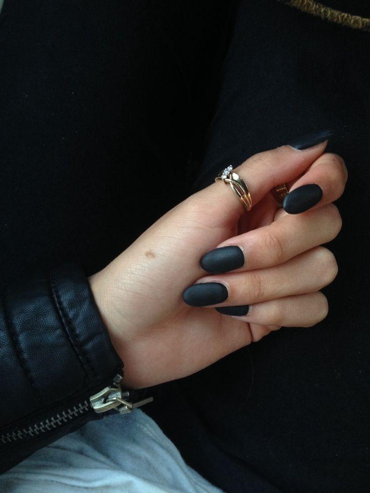horrorspells Black matte nails