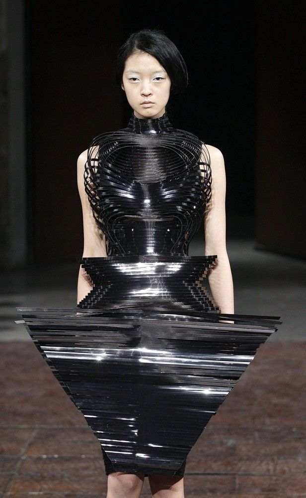 Ridiculous Outfits From Paris Fashion Week....what a waste of time and resources.