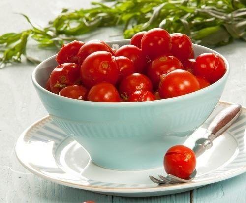 Пряные помидоры с хреном / Едальня