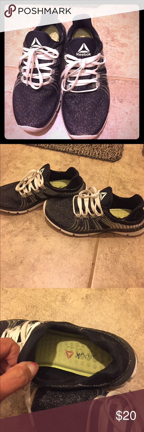Reebok memory foam shoe This is size 8 Reebok memory foam shoes inside the foam the writing wore off. The outside is cloth material super trendy and cute. I will wash in the washing machine prior to mailing out Reebok Shoes Athletic Shoes