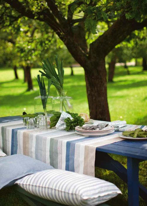 Manteles a rayas azules y tierra de Linum   Stripped tablecloth in blue and natural colours by Linum