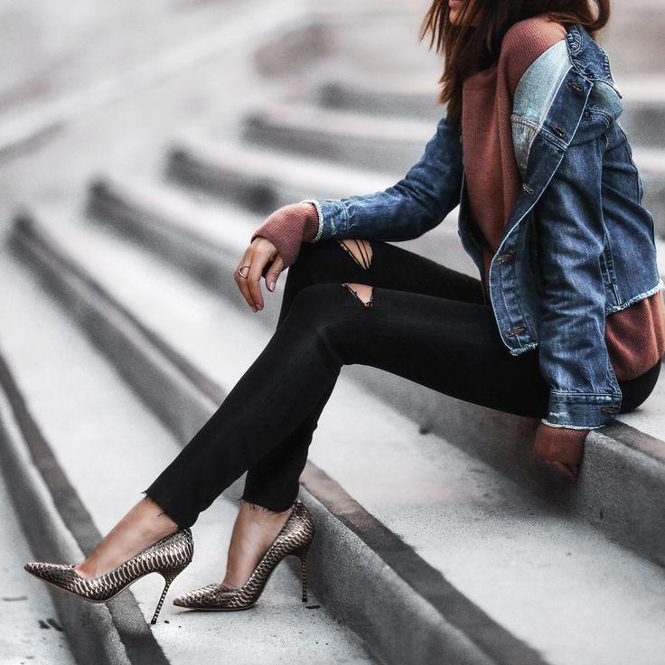 #denimjacket #denim #jacket #wardrobestaples #styling #style #personalstyling #elishacasagrande