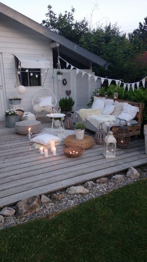 Sommernacht auf der Terrasse.