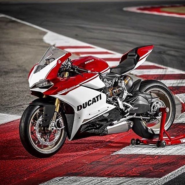 New Ducati 1299S 90th anniversary debuted at WDW2016!