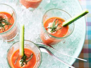 Gazpacho met komkommerreepjes en zure room  #samensterk