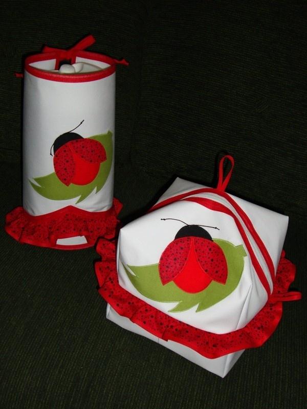 Porta pão com interior plastificado e capinha para garrafa térmica  www.elo7.com.br/cacarecos