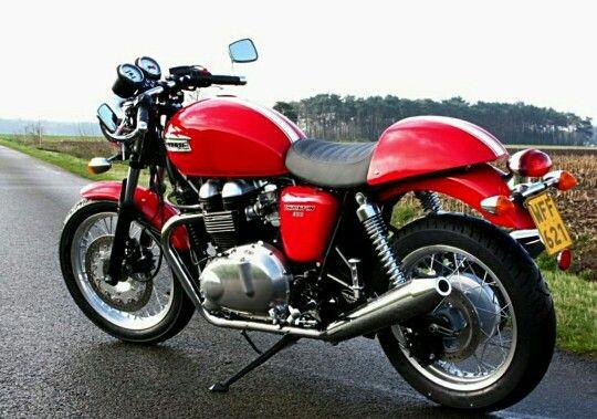 My Triumph Thruxton 900