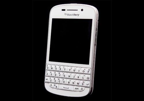 Amosu Diamond Blackberry Q10, the most expensive Blackberry ever!