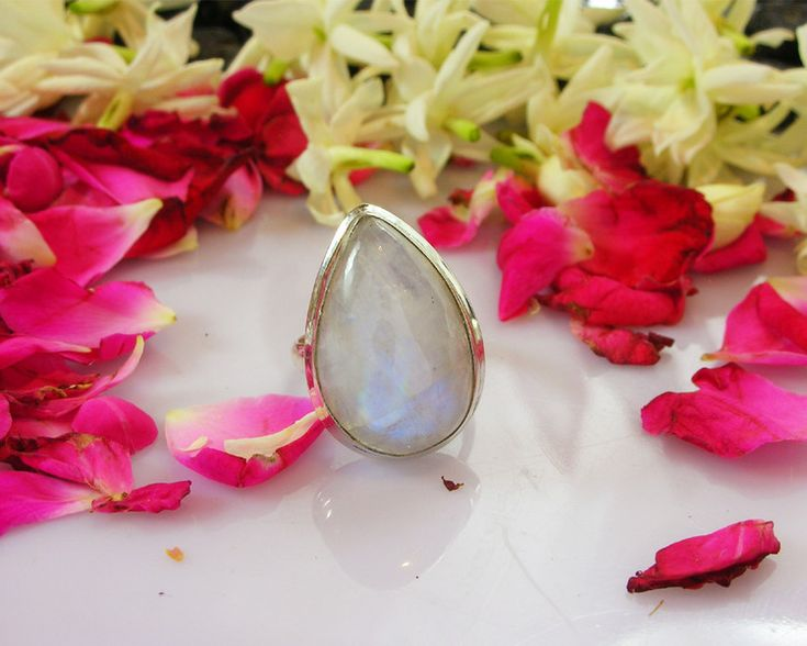 Moonstone Jewellery – Gorgeous White Rainbow Moonstone Ring – a unique product by IndianCraftPalace on DaWanda