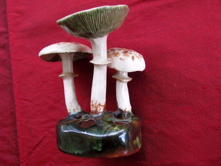 Vtg LORENZEN LANTZ mushroom flower frog Lepiota Morganii Nova Scotian pottery