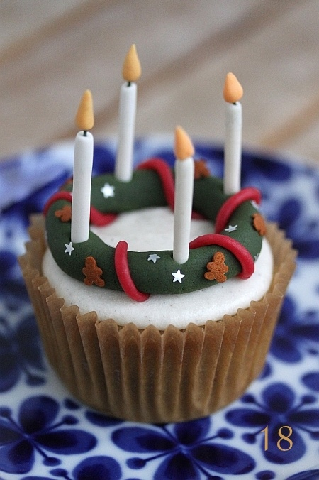Advent wreath cupcake