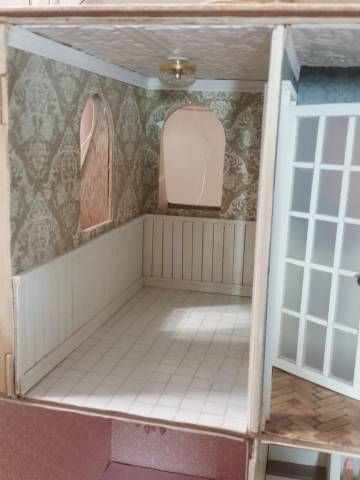 Beacon Hill Bathroom - My First Dollhouse - Beacon Hill - Gallery - The Greenleaf Miniature Community