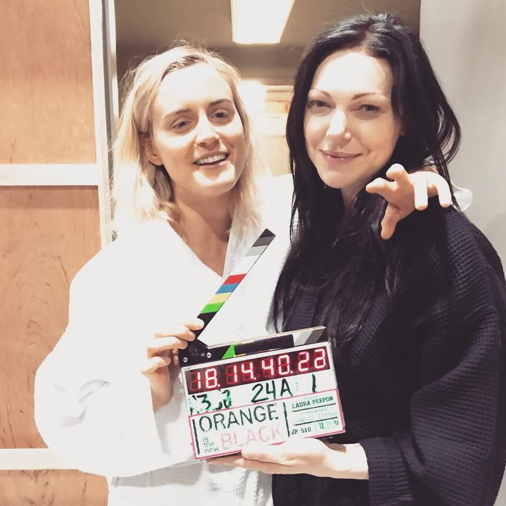 Taylor Schilling and Laura Prepon