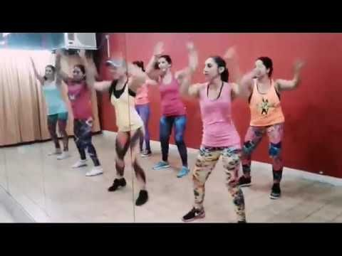 Workout  Tips - Video :  Amor para un rato - Olvidate - Iara Zumba Fitness - 2017  Amor para un rato – Olvidate – Iara Zumba Fitness – 2017  Video  Description Amor para un rato – Olvidate – clase de Zumba. Cumbia. 2017 👇Suscribite a mi canal de youtube:👇 Iara Zumba Fitness ✔Face:BellyIara Zumbadance ✔Fanpage: Escuela de Danzas Iara Noor  #Videos https://fitnessmag.tn/videos/workout-tips-video-amor-para-un-rato-olvidate-iara-zumba-fitne