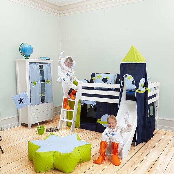 KidsParadise.no - Barneseng - Halvhøy seng m/sklie - 90x200 - Hvit - Inspirasjon til kreative barnerom - Veggdekor - Wallstickers - Barnesenger - Veggord - Barnemøbler - Sprinkelsenger - Tepper - Lamper - Barneutstyr - Møbler - Julegaver - Klistremerker - Hoppekids - Gave til barn? Kjøp den hos oss!