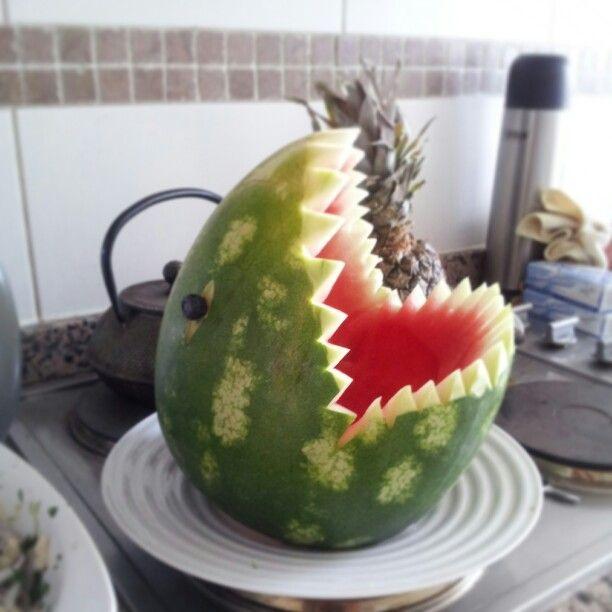 Sandía tiburón para año nuevo