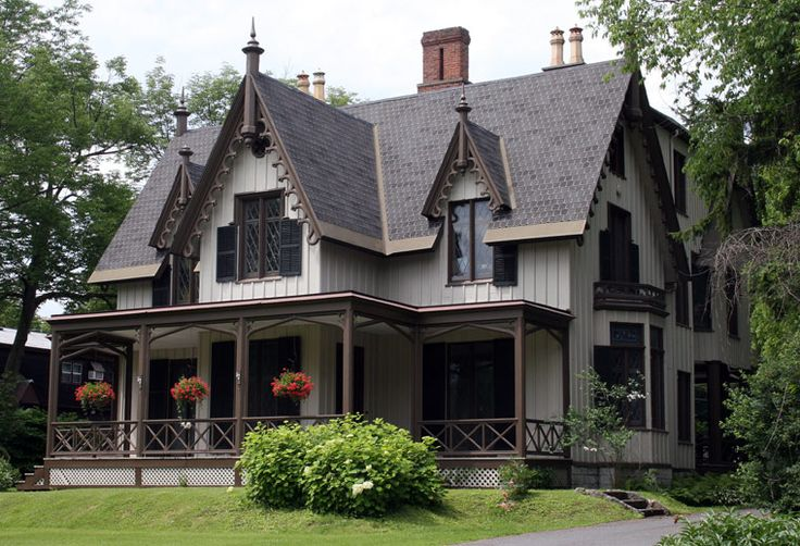 12 best gothic revival farm houses images on pinterest for Gothic revival farmhouse
