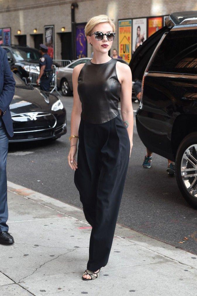 Photos : Scarlett Johansson : Glamour Et Sexy, Black Widow Est De Sortie !
