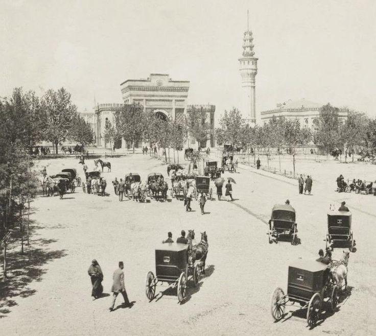 İstanbul Beyazıt Meydanı (Seraskerat) 1900'ler.