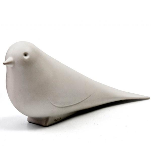 ¿Las corrientes de aire te golpean las puertas? Evita esos molestos sobresaltos con Dove Stopper, la paloma que con su plumaje detendrá cualquier puerta. Mide 18 cms. Origen: Tailandia. $8900