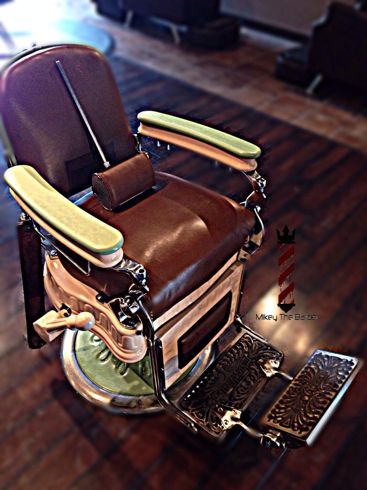 17 Best images about Vintage Barber Chairs – Hercules Barber Chair