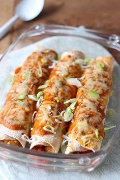 Een heerlijk recept voor pittige wraps met kip en paprika! En ook nog eens helemaal niet moeilijk om te maken. // Francesca Kookt