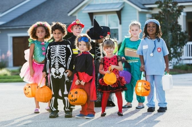 4 reasons to celebrate Halloween with your toddler. Read More for tips, tricks and treats to share with your toddler. #Halloween  #mybestgift
