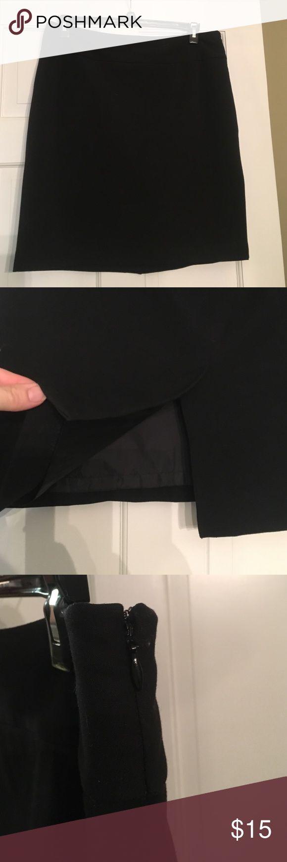 """Rafaela 12 petite pencil skirt NWOT, Black, 21"""" long, 36"""" waist, split in back, side zip, fully lined Rafaella Skirts Midi"""