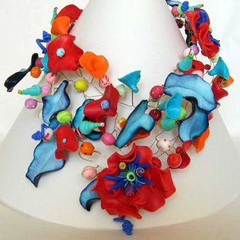 Leah loves flowers - Necklaces and pendants