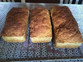 Pão multi grãos integral    3 ovos  1 sachê de fermento biológico para pães  2 copos americanos de leite vegetal, água ou leite de coco  3\...