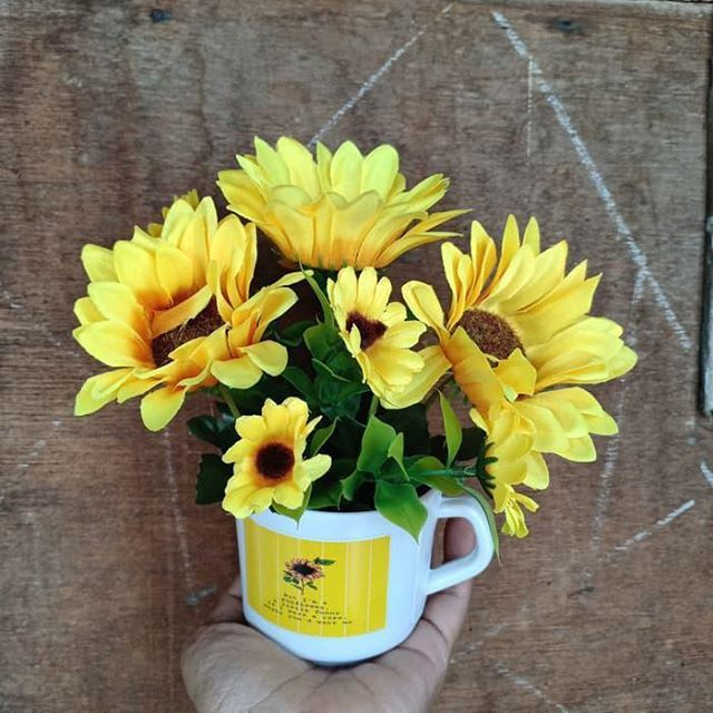 New The 10 Best Home Decor Ideas Today With Pictures Plastic Sunflower Flowers Palau Ornamental Home Decoration Price Rp 50000 B Home Decor Decor Plants