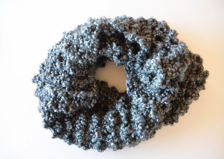 Cowl Knitting Pattern For Beginners : Fast Free Beginner Easy Knit Cowl Pattern knitting Pinterest Cowls, Kni...