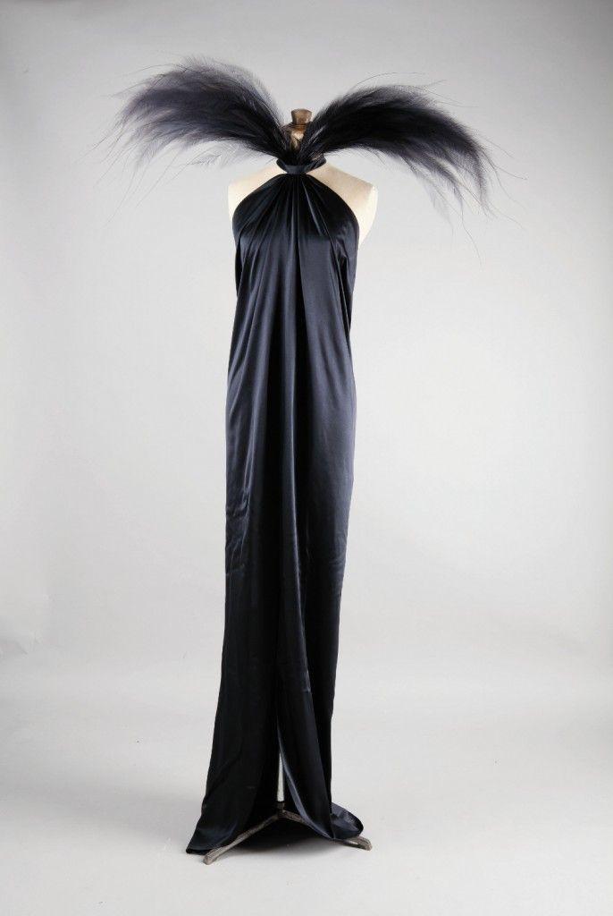 310 best yves saint laurent images on pinterest fashion for Bureau yves saint laurent