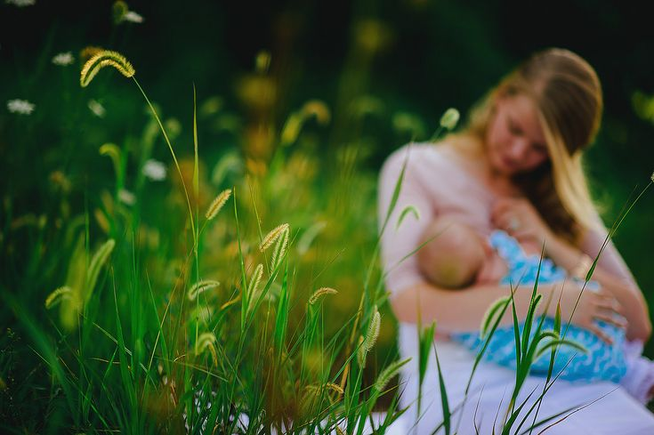 breastfeeding portrait by pittsburgh photographers the oberports