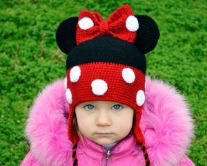 Детская шапка вязаная крючком Микки Маус, можно купить в магазине Смешапки.