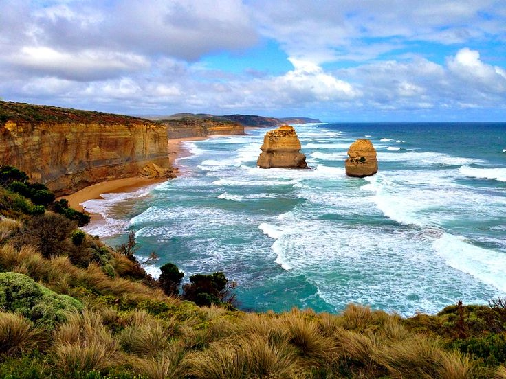 The Great Ocean Road is hailed as one of the world's most epic road trips, passing by roaring oceans and golden beaches. Here are some of the best stops.